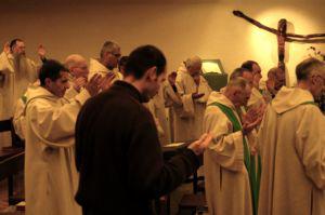 s'engager dans la vie monastique