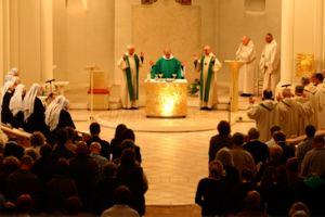 l'eucharistie à l'abbaye Notre Dame de Belloc en Aquitaine