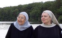 joie deux soeurs