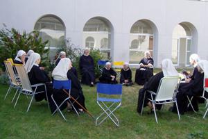 récréation au Monastère Notre Dame du Calvaire
