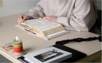 vie monastique - lecture au monastère saint joseph de brou