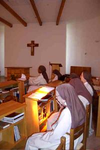 vie monastique - l'office au monastère saint joseph de brou