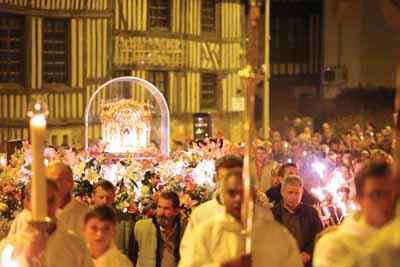 Procession Reliques Thérèsepetit